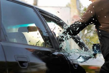 Бронирование стекол автомобиля. Что такое бронировка автостекла?