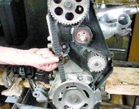 Как установить после демонтажа ремень ГРМ на ВАЗ?