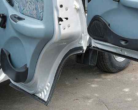 Зачем нужны уплотнители для автомобильных дверей?