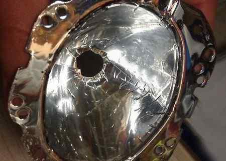 Восстановление фар автомобиля зеркальной пленкой
