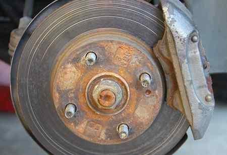 Выбор тормозных колодок для автомобиля - какие лучше?