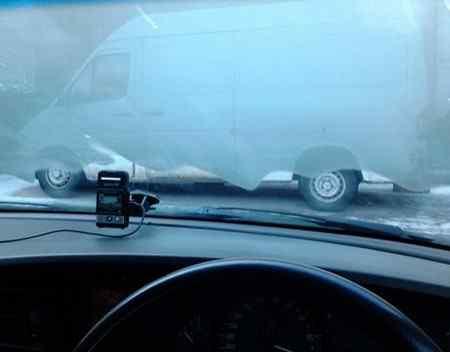 Что делать, если запотевают стекла машины изнутри?