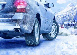 Зимнее вождение автомобиля: правила, что нужно знать?