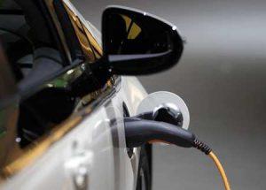 Плюсы и минусы электромобилей для автовладельцев